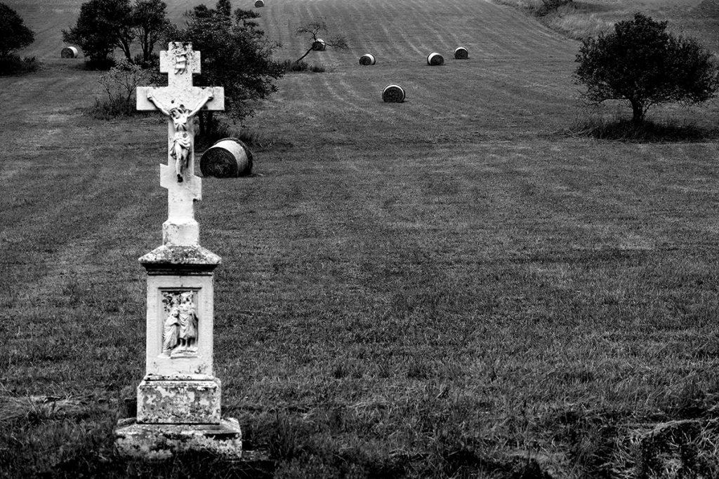 """"""" Samotny krzyż """"   fot. Renata Michalczyk"""